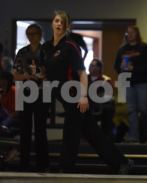-Messenger photo by Britt Kudla<br /> Leah Sanck of Fort Dodge bowl during Class 2A Districts on Tuesday at Ridgewood Lanes