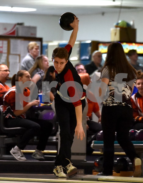 -Messenger photo by Britt Kudla<br /> Jared Jacobson of Fort Dodge bowl during Class 2A Districts on Tuesday at Ridgewood Lanes