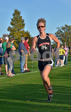 -Messenger photo by Britt Kudla<br /> Madison Bodholdt of Fort Dodge competes during Fort Dodge Invitational on Thursday at Lakeside Golf Course