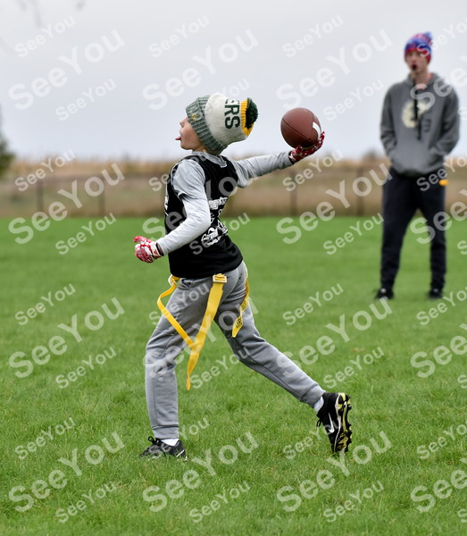 -Messenger photo by Britt Kudla<br /> Cal Pederson of Fort Dodge 10U drop back for a pass during Fort Frenzy Flag Football tournament on Saturday
