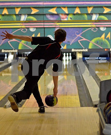 -Messenger photo by Britt Kudla<br /> Alex Markov of Fort Dodge bowled against Johnston on Monday at Ridgewood Lanes