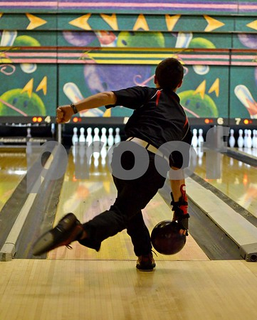 -Messenger photo by Britt Kudla<br /> Chase Messerly of Fort Dodge bowled against Johnston on Monday at Ridgewood Lines