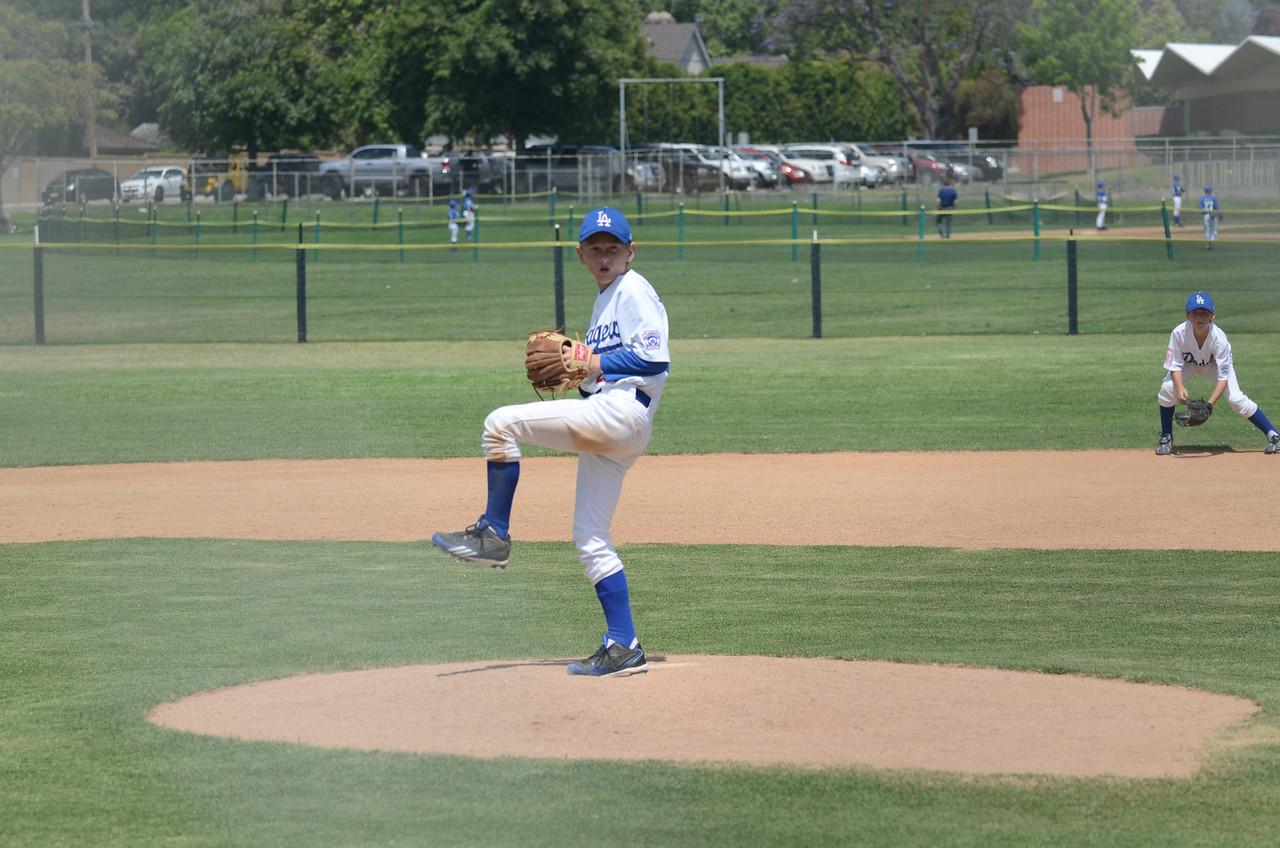 Dodgers_2012 - 001