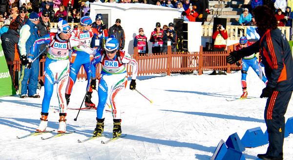 Ponz (ITA) Hands off to Katja Haller, 6-2 (ITA)