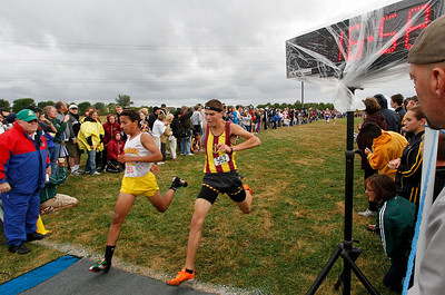 09/04/2010 Photo finish for 15th. Mark Matos (left) of Amherst edged out Matt Marron of Avon Lake.  Photo by Tom Mahl