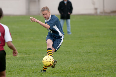 r2-Egan-Soccer-20110322164620_6238
