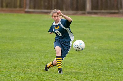 r2-Egan-Soccer-20110315161422_4853