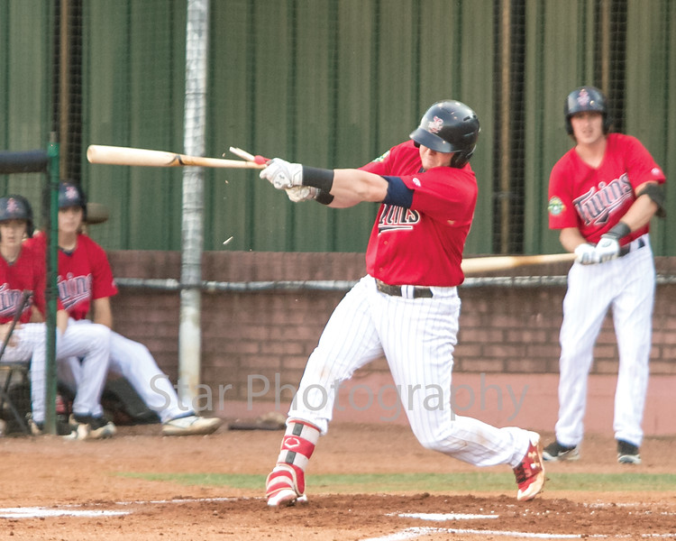 Star Photo/Larry N. Souders<br /> The Twins Kolton Kendrick (23) gets shattered bat single on a ground ball to center field to start the top of bottom of the second.