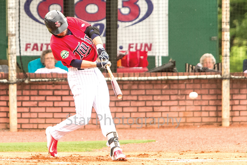 Star Photo/Larry N. Souders<br /> The Twins Carson Crites (39) followed Montesino leadoff homer with a single on a line drive to center field in the bottom of the first.