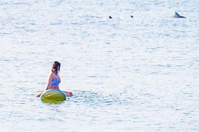 20210904-Elizabette Cohen surfing Long Beach 9-4-21Z62_4736