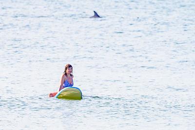 20210904-Elizabette Cohen surfing Long Beach 9-4-21Z62_4728