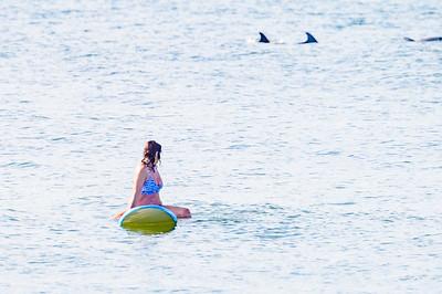 20210904-Elizabette Cohen surfing Long Beach 9-4-21Z62_4735