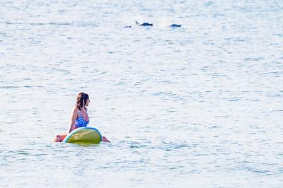 20210904-Elizabette Cohen surfing Long Beach 9-4-21Z62_4733