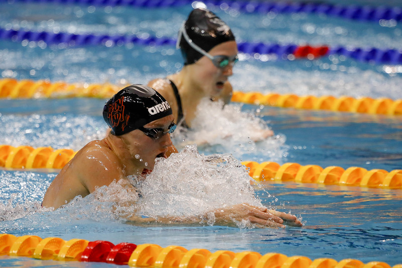 Athletes in action during Women's 200m Individual Medley Finals at the FINA Airweave Swimming World Cup, at OCBC Aquatic centre Singapore. Photo by Sanketa Anand/Sport Singapore