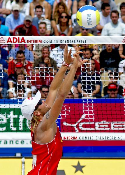 Julius Brink at the net