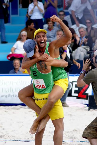 Pedro Cunha & Franco Neto after winning their semifinals match