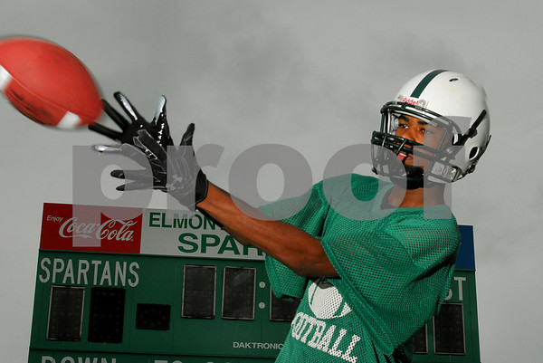 Tyshaun Mack, Elmont HS Football 2007. Photo by Kathy Leistner