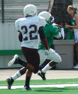 #22  Derrick Dick-Tackle