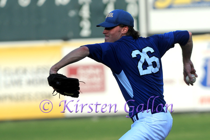 Starting pitcher Steve Barnes