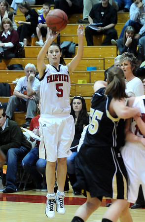 FVMON12<br /> Maya Singer of Fairview puts up a three-pointer.<br /> Photo by Marty Caivano/Camera/Jan. 19, 2010