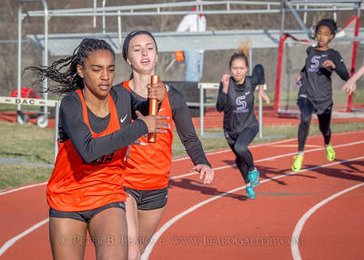 20180330-170943 Falcon Relays - 4x200 meters - Girls