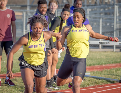 20180330-171036 Falcon Relays - 4x200 meters - Girls
