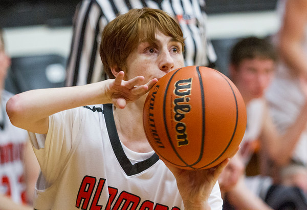 Altamont senior Brandon Hanson eyes the hoop against Windsor/Stew-Stras.