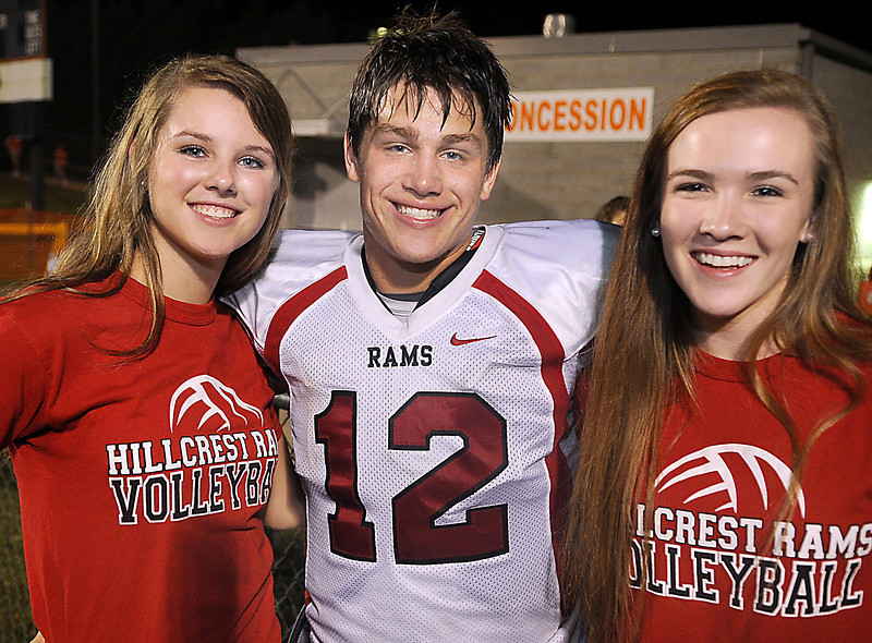 GWINN DAVIS PHOTOS gwinndavis@gmail.com  (e-mail)  (864) 915-0411 (cell) gwinndavisphotos.com (website) Gwinn Davis (FaceBook)
