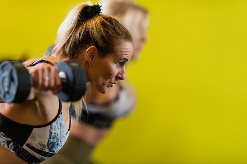 Hester-Mariellle-dumbell-Fitness-sGravenzande-Netherlands-0075