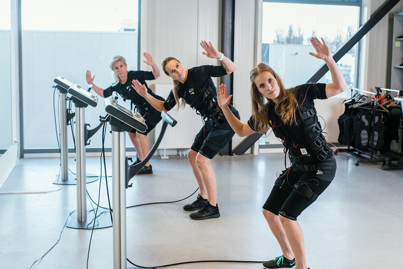 Hester-Mariellle-Jackiep-Bodytec-Fitness-sGravenzande-Netherlands-0010