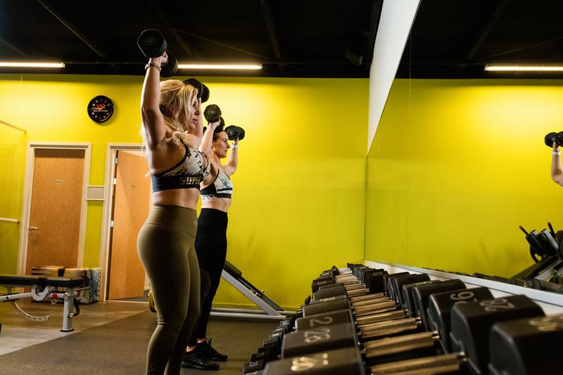 Hester-Mariellle-dumbell-Fitness-sGravenzande-Netherlands-0032