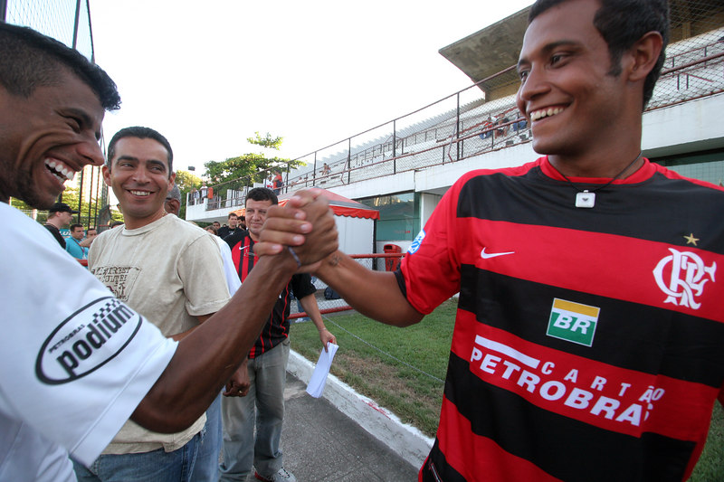 Flamengo player Leo Moura, left, greets Flamengo's new aquisition Leo Lima after his presentation to the press in Rio de Janeiro, Brazil, Feb. 28, 2006. Lima was hired to replace star striker Obina, out for six months because of an injury. Flamengo is riding high lately, having qualified in advance for the Rio de Janeiro state league final as well as the next knock-out round of the Libertadores Cup. Last year's Copa do Brasil championship earned the team the spot in this year's Libertadores Cup (South America's version of the Champion's League) after a five-year absence.