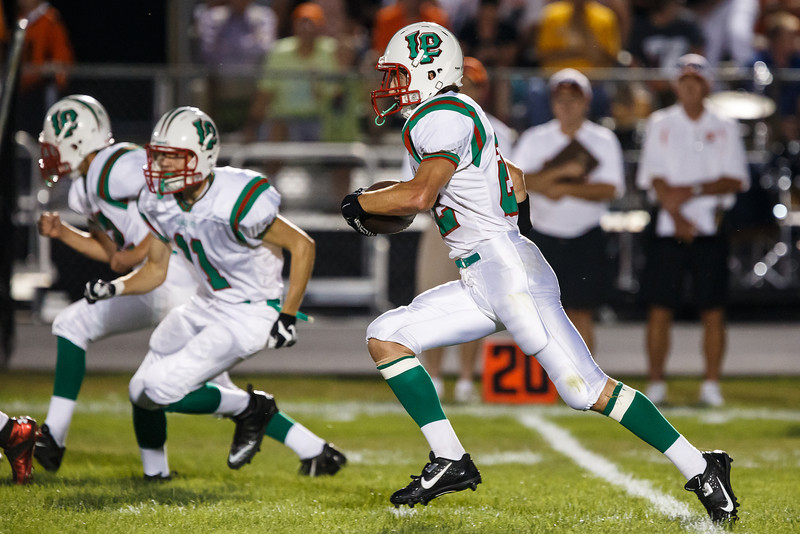 20130906_washington_vs_lasalleperu_football_030