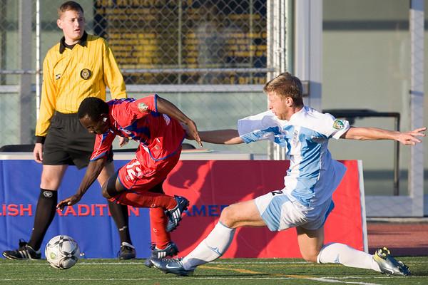 Matthew Mbuta evades a tackle.