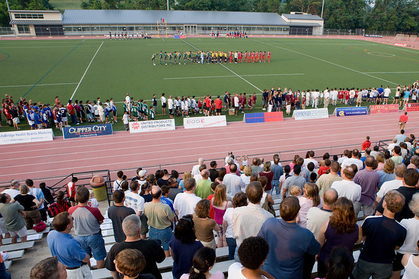 The crowd, the BBSL awardees and the Palace and Cleveland starting lineups all stand for the national anthem