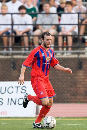 Paul Robson makes run up the left flank