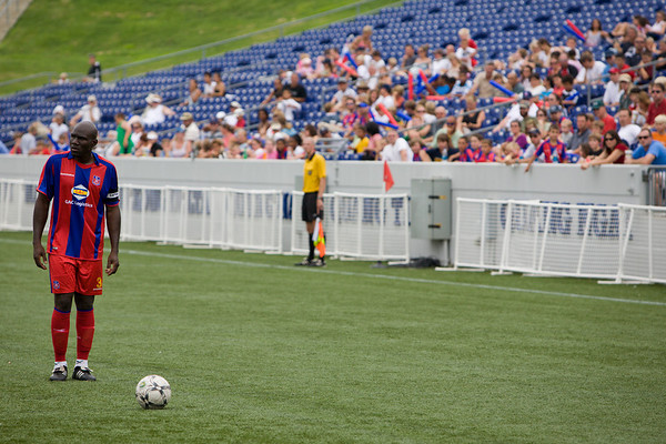 Ibrahim Kante's free-kick sets up Palace's first goal