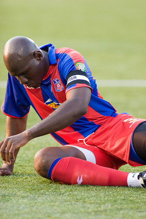 Ibrahim Kante didn't last long, leaving the game after 20 minutes with continuing hamstring problems.