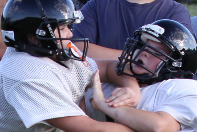 10 08 16 Jr Football Practice-104