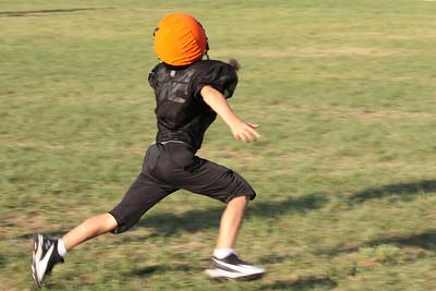 10 08 16 Jr Football Practice-157