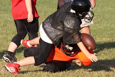 10 08 16 Jr Football Practice-144