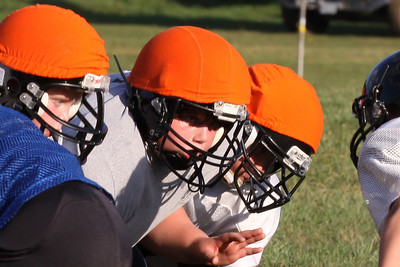 10 08 16 Jr Football Practice-066