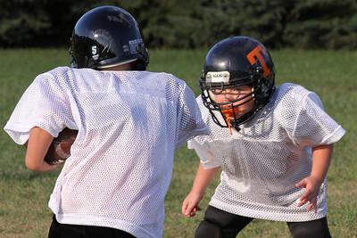 10 08 16 Jr Football Practice-076