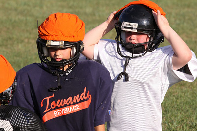 10 08 16 Jr Football Practice-025