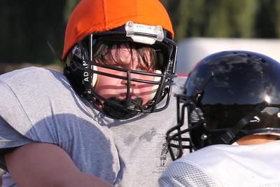 10 08 16 Jr Football Practice-063-2
