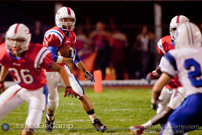 Thomas Worthington High School's Chris Boyd runs the ball in the second period of play against Hilliard Davidson High School at Thomas Worthington High School Friday night September 24, 2010. (©2010 James D. DeCamp • 614-367-6366) http://www.JamesDeCamp.com