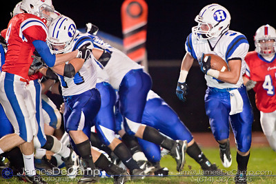 Hilliard Davidson High School's Tyler Talbott makes a run around the outside of the pack in the second quarter of play at Thomas Worthington High School Friday night September 24, 2010. (©2010 James D. DeCamp • 614-367-6366) http://www.JamesDeCamp.com
