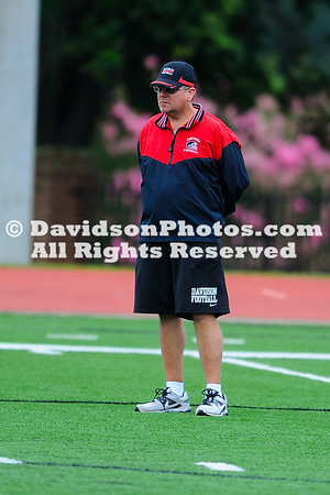 NCAA FOOTBALL:  AUG 17 Davidson Preseason Scrimmage