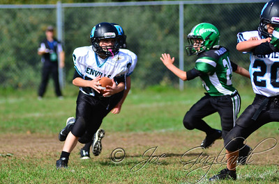 Denville Football 2013 www.shoot2please.com File name: DSC_5082.JPG From SPW_vs_Hopatcong on Sep 14, 2013