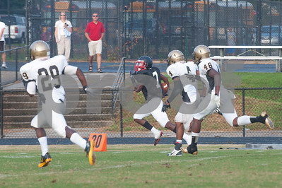 Malcom Brown (7) leaving the opposition in the dust on his way to his second touchdown of the game.
